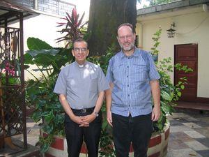 Bischof Chavez und Pater Meier