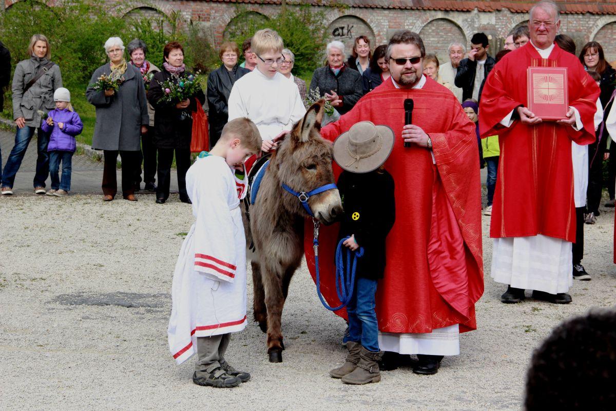 Da trug der Esel unseren Herrn – Eindrücke vom Palmsonntag