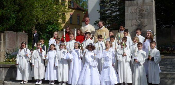 Erstkommunion mit den Kindern der Mozartschule in St. Jakobus