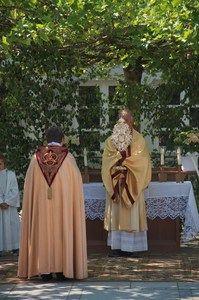 Beim Altar vor dem Rathaus