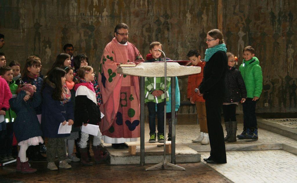 Beim Feiern lernen – Weggottesdienst mit den Erstkommunionkindern