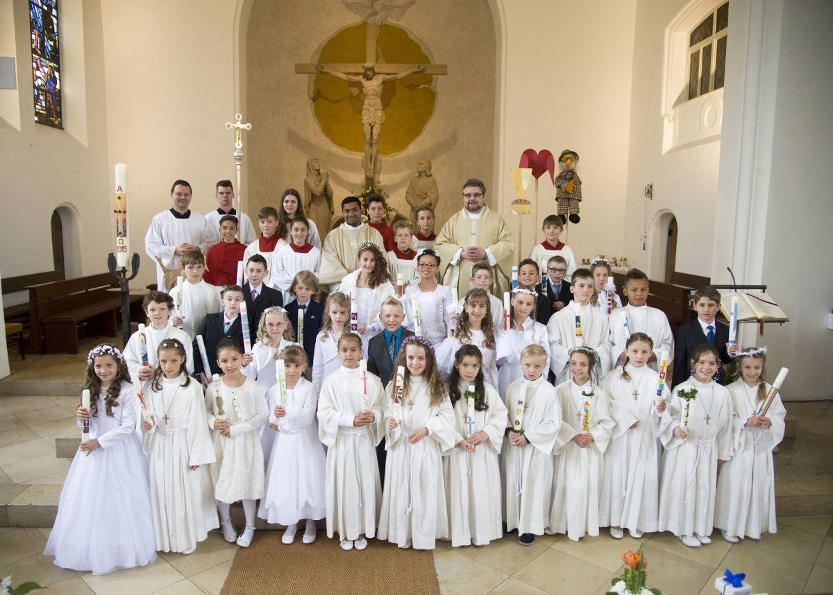 Die Erstkommunionkinder der Mozart- und Franziskusschule