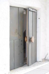 Offene Tür zu einem Neuanfang