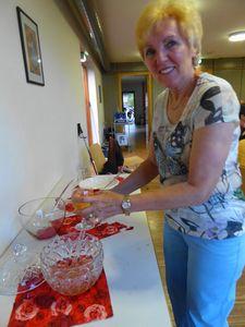 Kolpingsfamilie Gersthofen startet in den Sommer mit Erdbeer- und Bierbowle beim Familienfest
